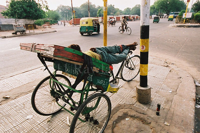 North to South ...Street Scenes... India - ©Rawlandry