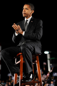 Senator Barack Obama joins President Bill Clinto at Kissimmee Florida with an esitmated 35, thousand people. on October 29, 2008 VALERIE GOODLOE