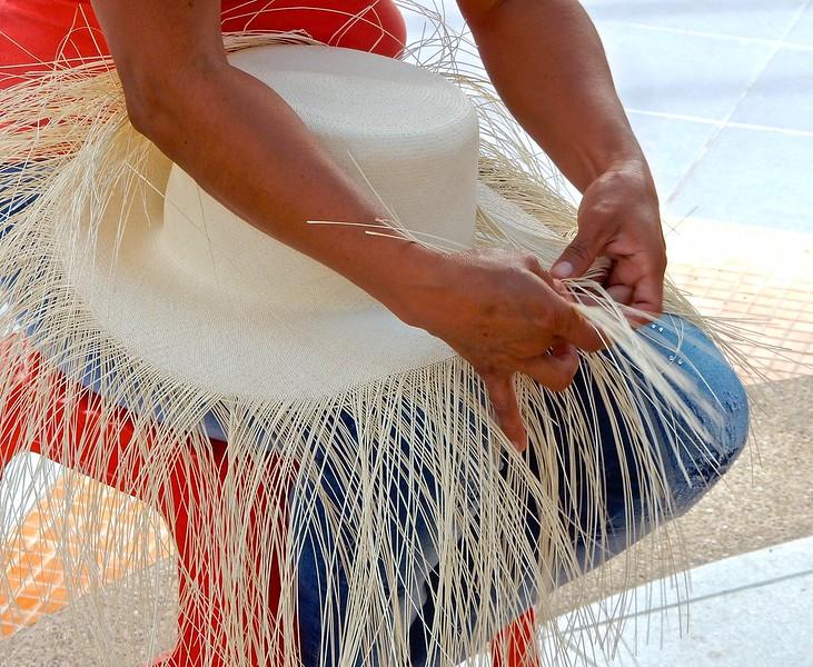 Weaving a Panama Hat