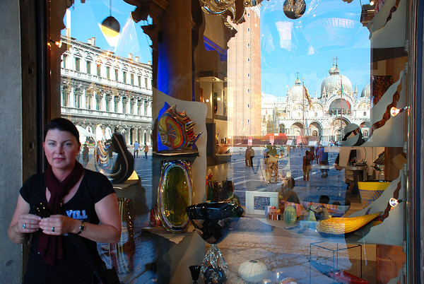 GLASS SHOPPING AT ST. MARK'S SQUARE, VENICE