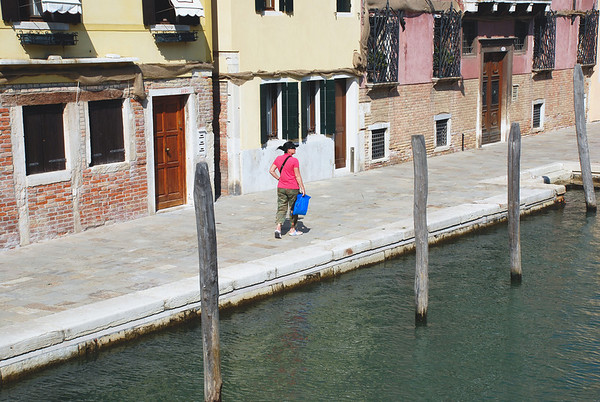 WHO SAYS VENICE IS FULL OF TOURISTS?  HERE'S ONLY ONE!
