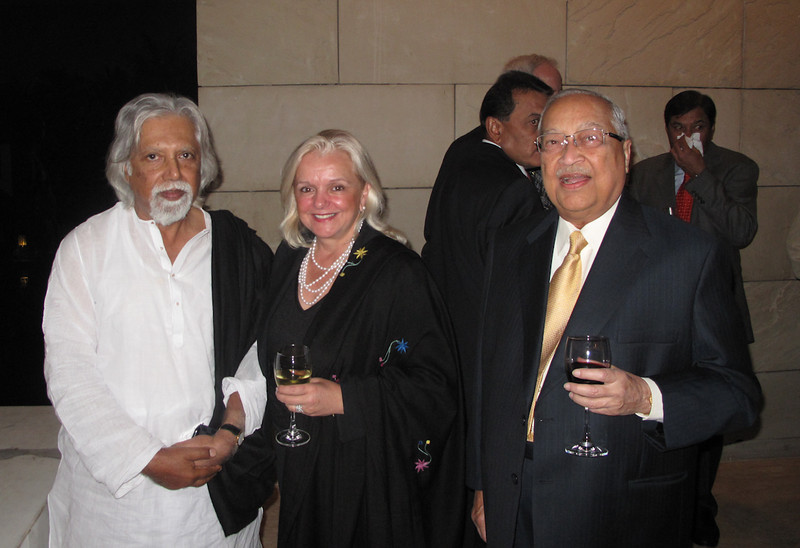 Sylvia Rourke with Royal Calcutta Captain Aveek Sarkar and  prominent Kolkata businessman and evening host B.M. Khaitan at a Royals Trophy banquet