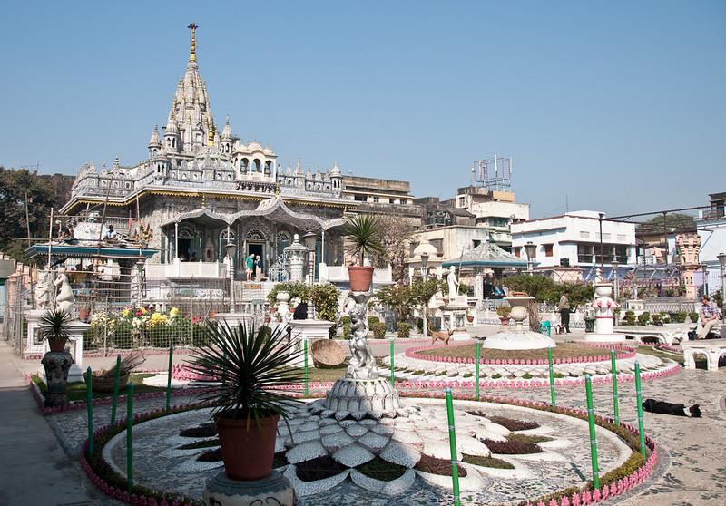 "The Parasnath Temple built by Rai Badridas Bahadoor Mookim. Want to know more click on link..<br /> <a href=""http://hubpages.com/hub/Parasnath-sheetalnath-jain-Glass-Temple-Kolkata-rai-badridas-mukim-tourist-place"">http://hubpages.com/hub/Parasnath-sheetalnath-jain-Glass-Temple-Kolkata-rai-badridas-mukim-tourist-place</a>"