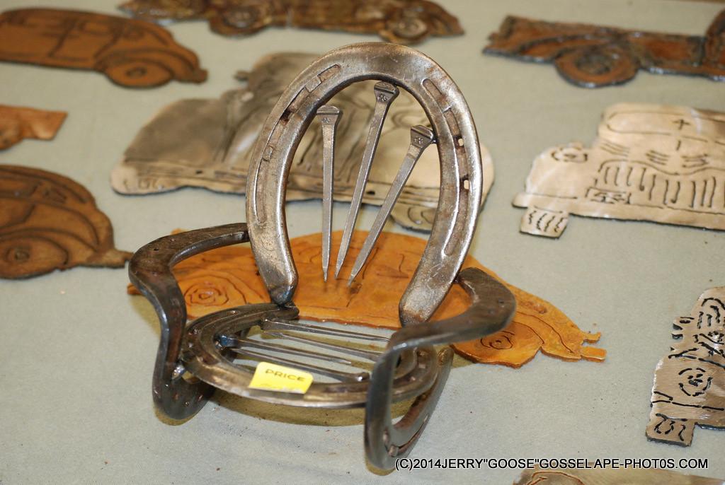 HORSE SHOE ART , BY HUNGERY MT. MAN