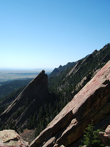 A view to the south of the other Flatirons.