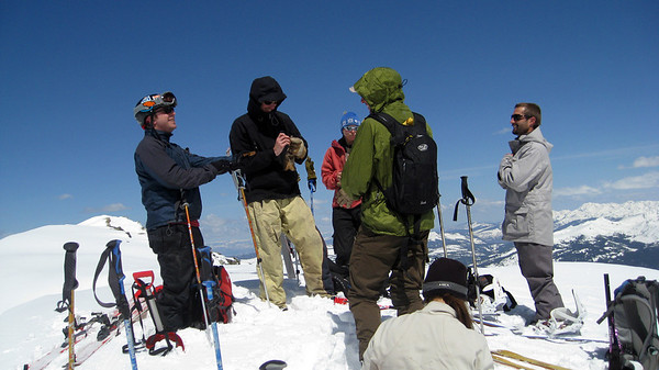 From L to R, on the summit of Crystal: Mark, Zac, Lindsey, some guy whose name I cannot remember, Vela, and Vince.