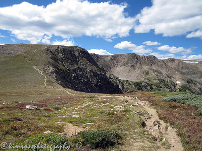 The start of the hike.  Our destination is behind a rock buttress, hidden from view, but is not far away. Photo: K.Ross