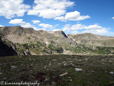 The walk along the Continental Divide here is very scenic. Photo: K.Ross