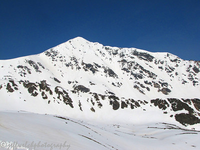 The huge, impressive east face of Torreys.