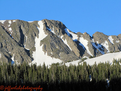 There's a really nice looking couloir across the way above Diamond Lake.
