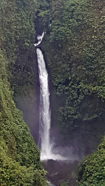 San Fernando Waterfall, Cinchona