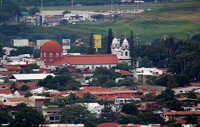 Cathedral of Alajuela - seen from restaurant with 600mm lens