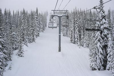 Skiing in Sunpeaks