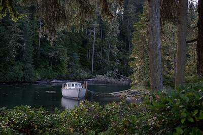 Hidden Cove Lodge