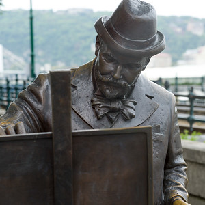 Statue of famous Hungarian painter Roskovics Ignac along the banks of the Danube in Budapest