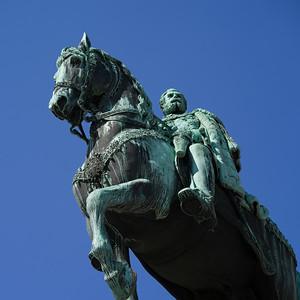 Statue of Prince Mihailo