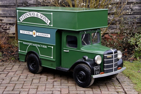 MJM 54 BEDFORD BASED ON A CORGI MODEL FROM STEINWAY PIANO`s.
