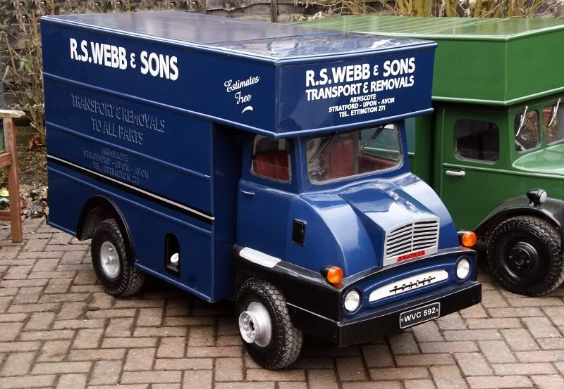 WVC 592 THAMES TRADER BASED ON A REAL VEHICLE OF R S WEBB & SONS
