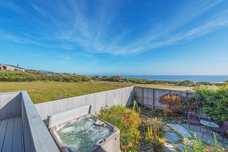 Hot Tub in Private Garden