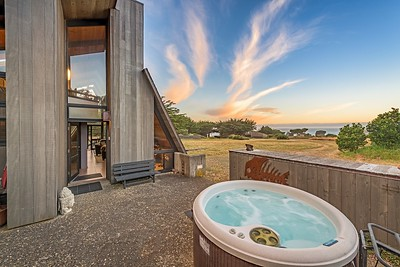 Hot Tub with Ocean Views