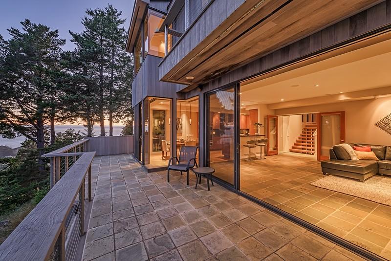 Beautiful Indoor & Outdoor Space