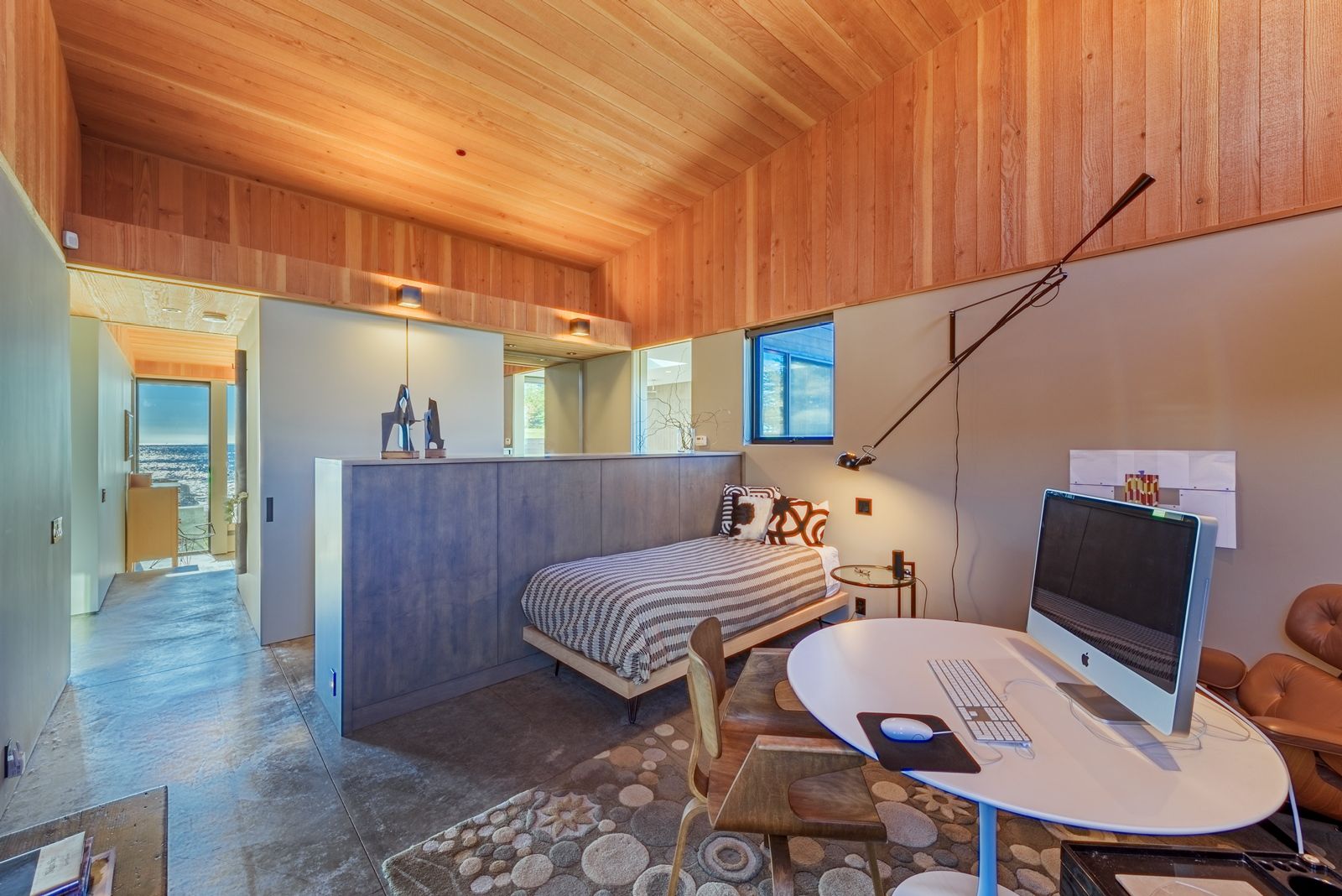 Office & Lounge