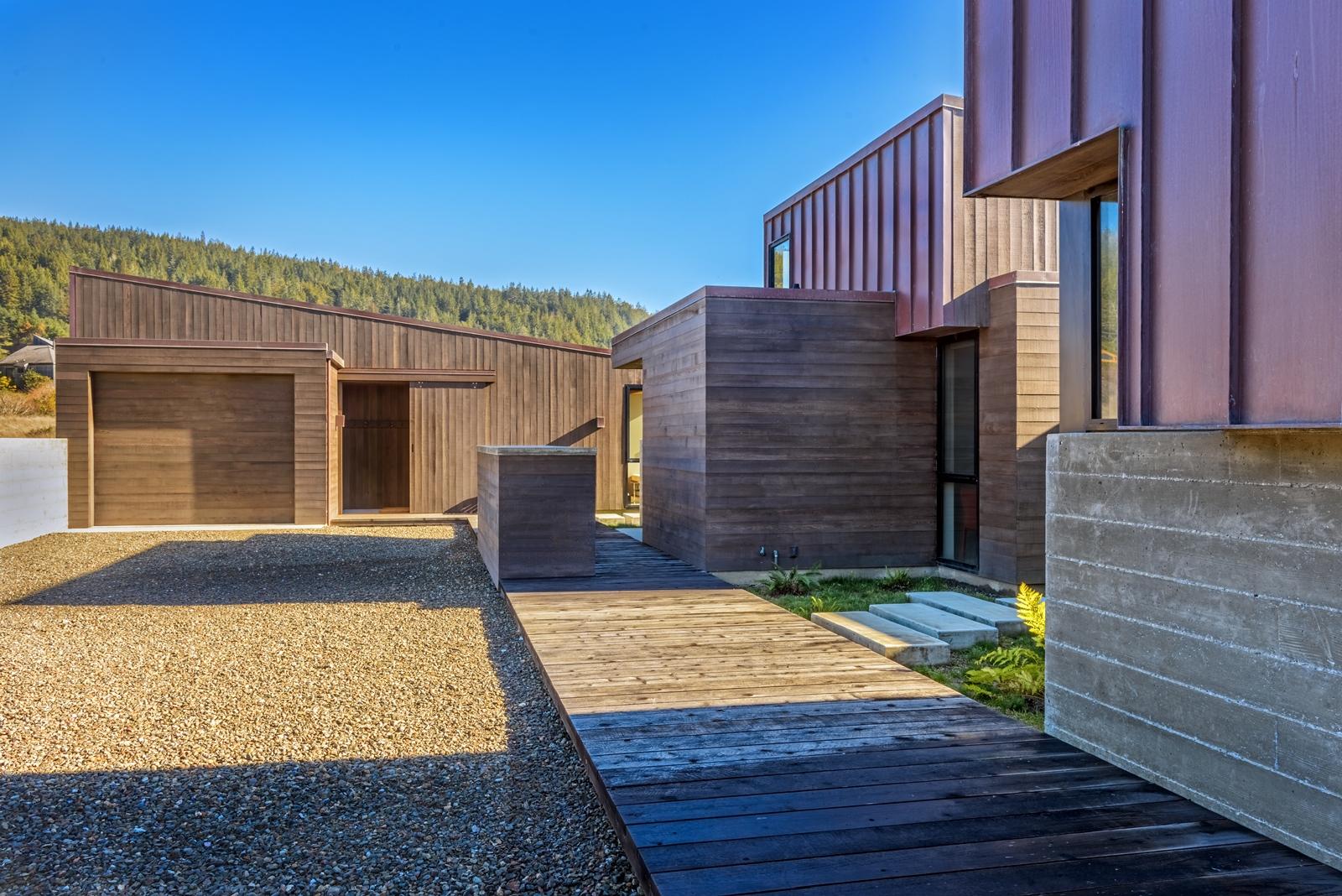 Guest House & Garage