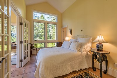 Guest Room with Office