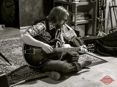 TSR-ross guitar studio