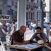 Greenpeace instala en Sol una 'sala de lectura' para informar sobre el TTIP