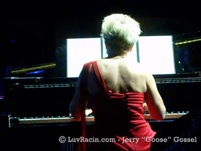 TUPPERWARE-PIANO-SOLO-02-11-11