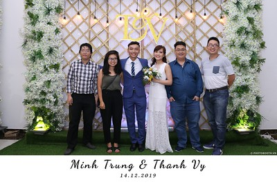 Trung-Vy-wedding-instant-print-photo-booth-Chup-anh-in-hinh-lay-lien-Tiec-cuoi-WefieBox-Photobooth-Vietnam-115