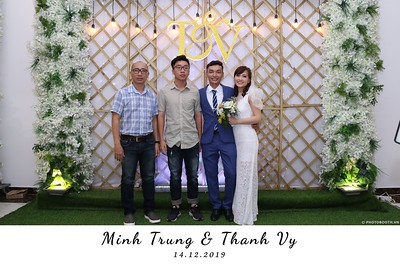 Trung-Vy-wedding-instant-print-photo-booth-Chup-anh-in-hinh-lay-lien-Tiec-cuoi-WefieBox-Photobooth-Vietnam-131