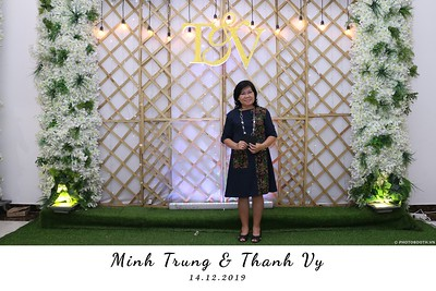 Trung-Vy-wedding-instant-print-photo-booth-Chup-anh-in-hinh-lay-lien-Tiec-cuoi-WefieBox-Photobooth-Vietnam-098