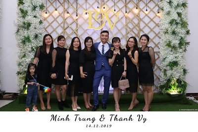 Trung-Vy-wedding-instant-print-photo-booth-Chup-anh-in-hinh-lay-lien-Tiec-cuoi-WefieBox-Photobooth-Vietnam-122