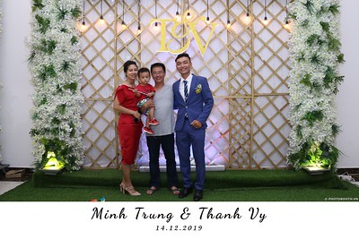 Trung-Vy-wedding-instant-print-photo-booth-Chup-anh-in-hinh-lay-lien-Tiec-cuoi-WefieBox-Photobooth-Vietnam-135