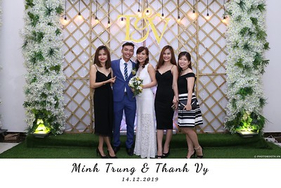 Trung-Vy-wedding-instant-print-photo-booth-Chup-anh-in-hinh-lay-lien-Tiec-cuoi-WefieBox-Photobooth-Vietnam-102