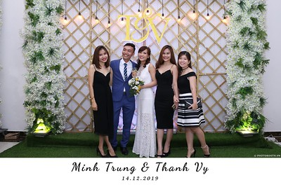 Trung-Vy-wedding-instant-print-photo-booth-Chup-anh-in-hinh-lay-lien-Tiec-cuoi-WefieBox-Photobooth-Vietnam-101