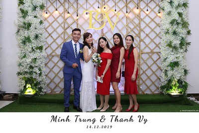 Trung-Vy-wedding-instant-print-photo-booth-Chup-anh-in-hinh-lay-lien-Tiec-cuoi-WefieBox-Photobooth-Vietnam-100