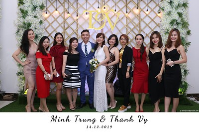 Trung-Vy-wedding-instant-print-photo-booth-Chup-anh-in-hinh-lay-lien-Tiec-cuoi-WefieBox-Photobooth-Vietnam-104