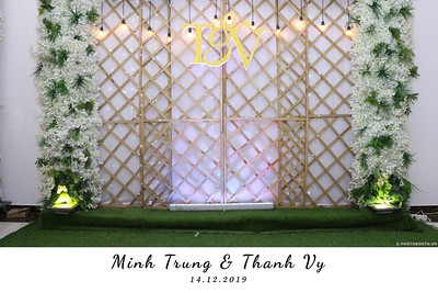 Trung-Vy-wedding-instant-print-photo-booth-Chup-anh-in-hinh-lay-lien-Tiec-cuoi-WefieBox-Photobooth-Vietnam-097