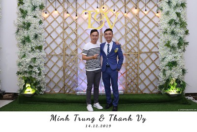 Trung-Vy-wedding-instant-print-photo-booth-Chup-anh-in-hinh-lay-lien-Tiec-cuoi-WefieBox-Photobooth-Vietnam-134