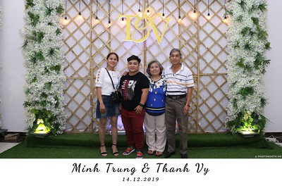 Trung-Vy-wedding-instant-print-photo-booth-Chup-anh-in-hinh-lay-lien-Tiec-cuoi-WefieBox-Photobooth-Vietnam-117
