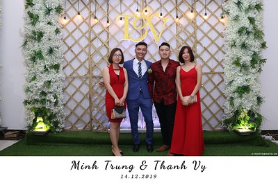 Trung-Vy-wedding-instant-print-photo-booth-Chup-anh-in-hinh-lay-lien-Tiec-cuoi-WefieBox-Photobooth-Vietnam-124