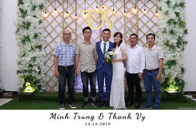 Trung-Vy-wedding-instant-print-photo-booth-Chup-anh-in-hinh-lay-lien-Tiec-cuoi-WefieBox-Photobooth-Vietnam-132