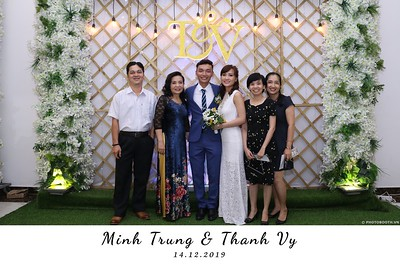 Trung-Vy-wedding-instant-print-photo-booth-Chup-anh-in-hinh-lay-lien-Tiec-cuoi-WefieBox-Photobooth-Vietnam-137