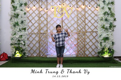 Trung-Vy-wedding-instant-print-photo-booth-Chup-anh-in-hinh-lay-lien-Tiec-cuoi-WefieBox-Photobooth-Vietnam-139