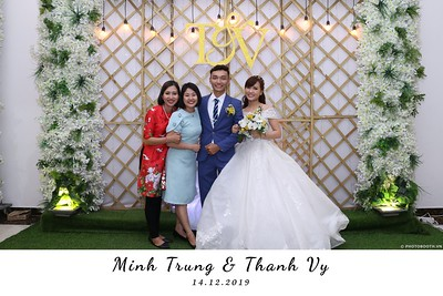 Trung-Vy-wedding-instant-print-photo-booth-Chup-anh-in-hinh-lay-lien-Tiec-cuoi-WefieBox-Photobooth-Vietnam-092
