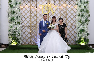 Trung-Vy-wedding-instant-print-photo-booth-Chup-anh-in-hinh-lay-lien-Tiec-cuoi-WefieBox-Photobooth-Vietnam-093