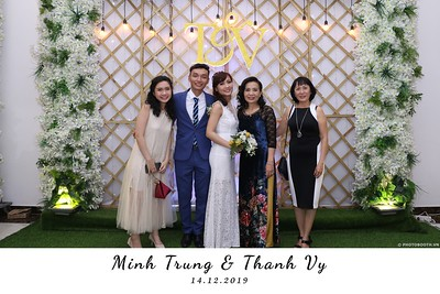 Trung-Vy-wedding-instant-print-photo-booth-Chup-anh-in-hinh-lay-lien-Tiec-cuoi-WefieBox-Photobooth-Vietnam-136